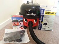Henry Vacuum Cleaner + 10 replacement bags