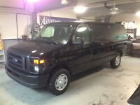 2011 Ford Econoline E-150 XL AdvanceTrac RSC 8 Pass