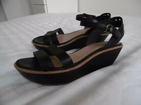 Black leather CAMPER wedge sandals (size 38 or 5)