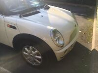 Rare Peppermint White with Black Sunroof Automatic Minicooper In immaculate Condition. Only 2399!!!!