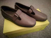 Hotter sunset shoes size 6 new in box, leather, flats,