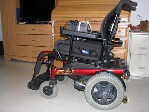 chaise roulante sant besoins sp ciaux dans qu bec petites annonces class es de kijiji. Black Bedroom Furniture Sets. Home Design Ideas