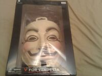 *NEW* V For Vendetta Book and Mask Set14 Jul 2013 by Alan Moore and David Lloyd