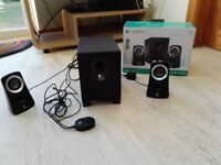 Logitech speaker system in black design good condition