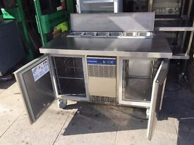 CATERING COMMERCIAL PIZZA SALAD TOPPING FRIDGE FAST FOOD RESTAURANT KITCHEN BAR TAKE AWAY SHOP