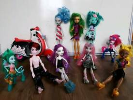 Monster high dolls ghoulia honey jinafire Claudia Rochelle spectra frightmares
