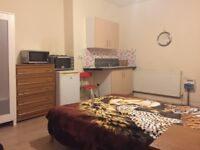 Furnished studio room to let in Aston £360 PCM