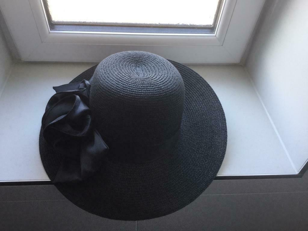 e3266ed5ad63 Black Wide Brim Straw Sun Hat with Bow, new without tags never worn