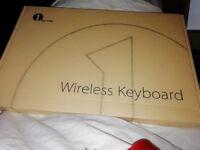 Brand New Ultra-Slim Wireless Bluetooth Keyboard (UK Version )