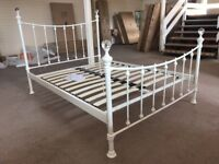 WHITE METAL BED FRAME WITH CRYSTAL DEGIGN HIGH END DOUBLE AND KING SIZE 4FT6 5FT 150 135CM FLAT PACK