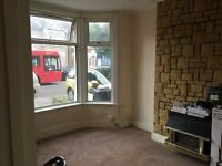 1 Single+1 Double and 1 King size Rooms available in 1 House Rent £350/450/500(all bills inclusive)