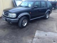 Ford Explorer 4.0 V6 Automatic Black 4x4