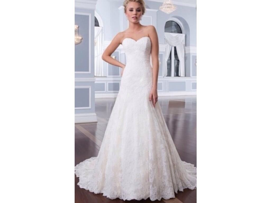 Ex Sample Lillian West 6293 Lace Sweetheart Neckline A Line Wedding Dress Size 14
