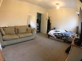 Large Room Aylesbury town centre