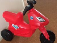 Kids Scooter ride on - red