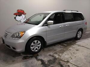 2010 Honda Odyssey SE  ***FINANCING AVAILABLE***DVD & PWR DOORS!