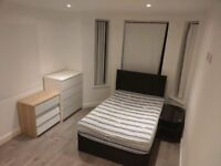 Room to rent (1 Cyprian house, Monthermer Road)
