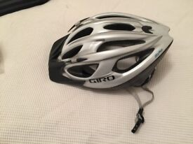 BICYCLE HAT : GIRO - GOOD CONDITION - GOOD QUALITY - ADULT SIZE