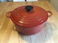 Le Creuset 24cm cast iron casserole dish
