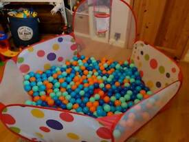 Kids Ball Pit Tent Playpen with Basketball Hoop with 375 soft balls