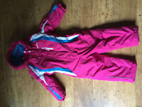 Camprio Girl Ski Suit size 3-4 years (104 cm) like new