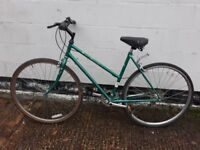 WOMANS BIKE RALEIGH CLASSIC STYLE **I CAN DELIVER**