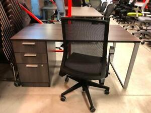 Single Pedestal Straight Desk with O-Leg - 30 x 60 - Manufacture Special