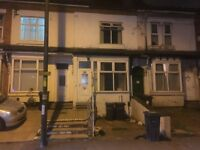 *B.C.H* 2 Bed Home - Slade Road, ERDINGTON- Walking Distance to Gravelly Hill Train Station