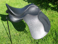 """Wintec 500 Black GP Synthetic Saddle 17.5"""" with Cair"""
