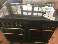 Stand alone oven being sold as it is or for parts