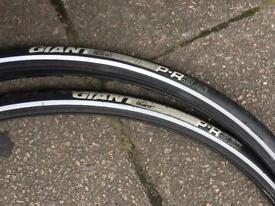 Giant Flat Guard PR3 AC bike tyres