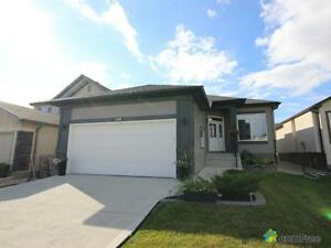 $439,900 - Bungalow for sale in Sage Creek