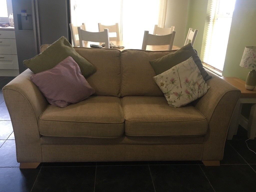 Large And Medium Sized Sofas 300 Ono