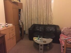 Double room to share in a two bedroom flat