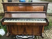 🎵🎹***CAN DELIVER*** VERY PRETTY UPRIGHT PIANO ***CAN DELIVER*** 🎵🎹