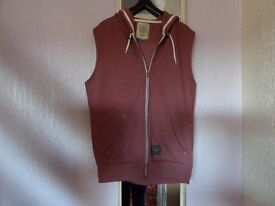 GENTS SLEEVELESS HOODY - RED SIZE LARGE BY BROOKHAVEN