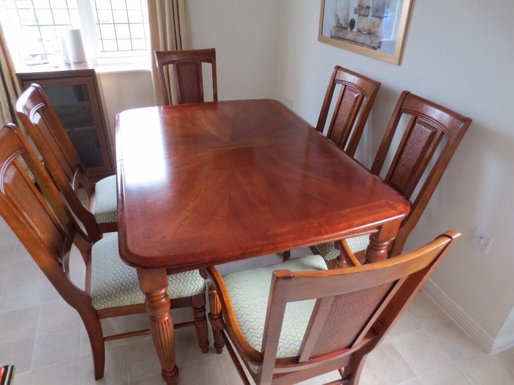 holdens great quality rubber wood table and 6 chairs in newark