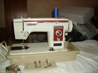 All metal New Home sewing machine in case - £25 ovno
