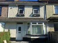 3 BEDROOM HOUSE FOR RENT IN LISBURN , TOP UP GAS ,2 TOILETS £500(,2nd august)