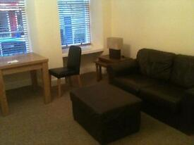 One bed Newington flat to rent - available mid March