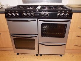 RANGE COOKER (DUAL FUEL) - 8 RINGS / 2 OVENS / 1 GRILL - NEW WORLD CLASSIC