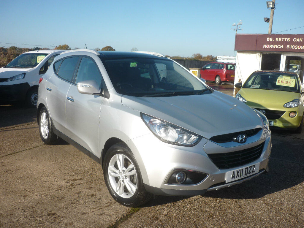 hyundai ix35 1 7 crdi 16v premium individual pack suv 2wd 5dr silver 2011 in hethersett. Black Bedroom Furniture Sets. Home Design Ideas