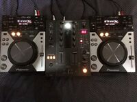 Pioneer CDJ 400s and DJM 400 mixer- Near Mint Condition