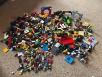 Large job lot of Lego - contains marvel / Spider-Man / avengers etc