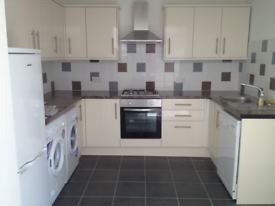 3 bedroom house in Minny Street, Cardiff, CF24