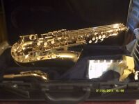YAMAHA ALTO SAXOPHONE the YAS 275 in FULL GOLD LACQUER . COMPLETE OUTFIT , NEW ! ! +++
