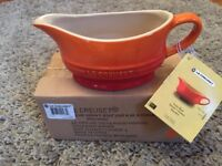 Le Creuset Stoneware Volcanic Orange gravy sauce boat, 0.4 litre, 12oz, 5 year warranty, BNIB