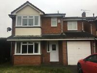 King size bedroom to rent in 4 bed detached house, Nuneaton. NO AGENTS.