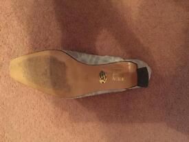Ladies formal shoe