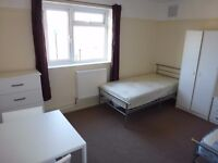 SPACIOUS TWIN ROOM TO RENT IN EAST ACTON - ZONE 2 - CENTRAL LINE